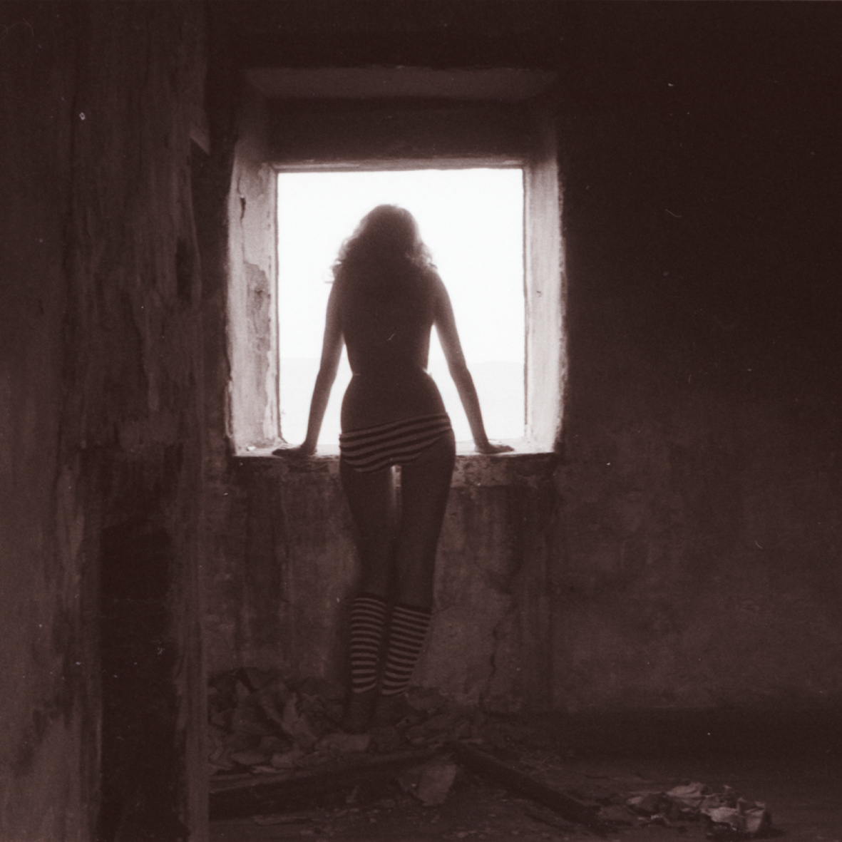 Girl in ruin 3