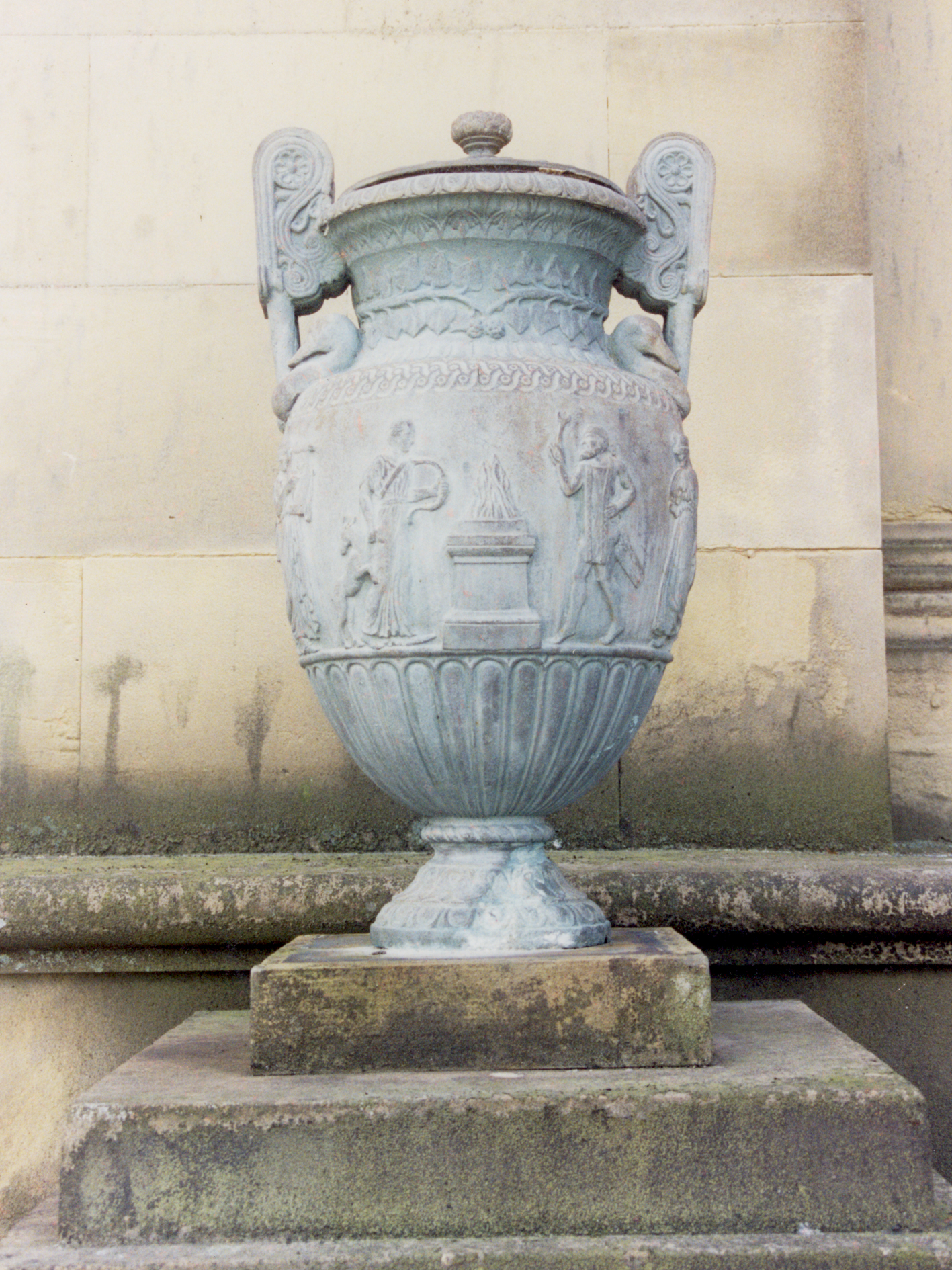 Copy of original Urn