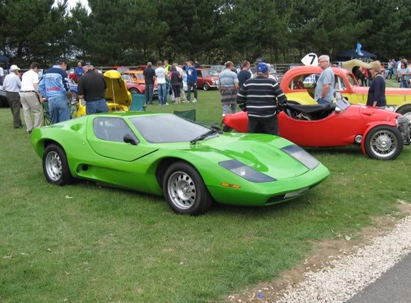 Nova at a car show